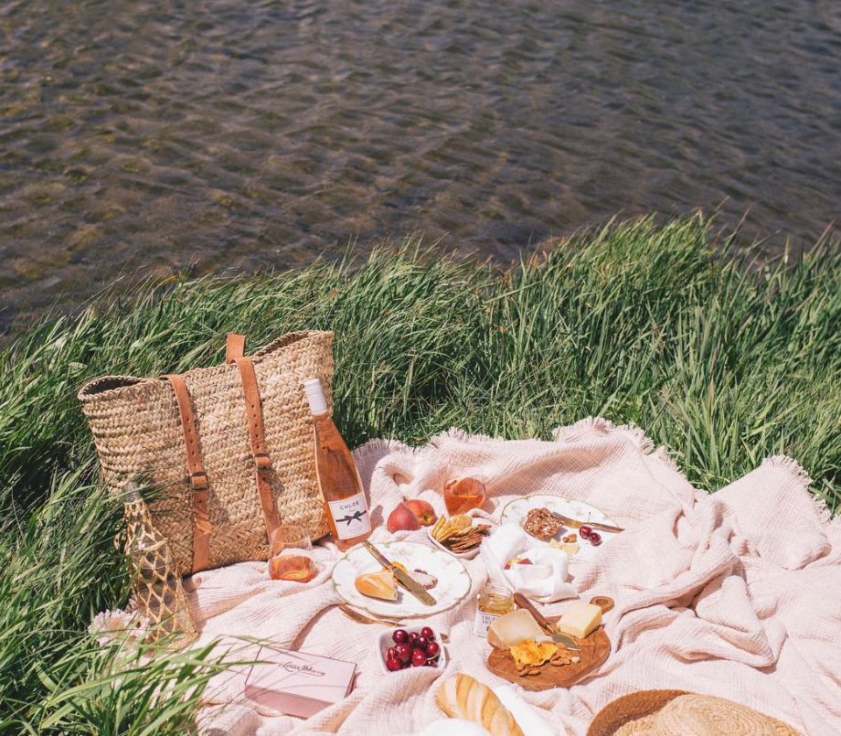10 ways to pack the perfect picnic